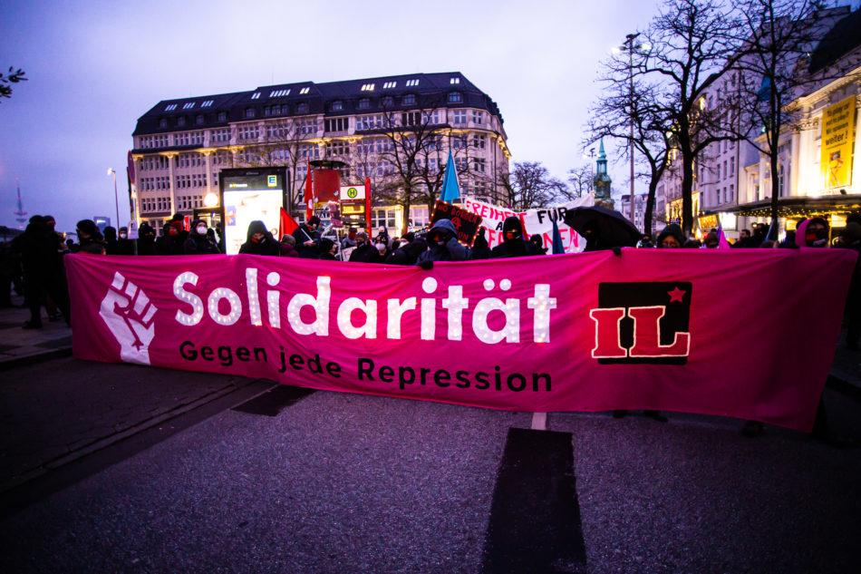 Zu der Demonstration hatten verschiedene linke Bündnisse aufgeruffen