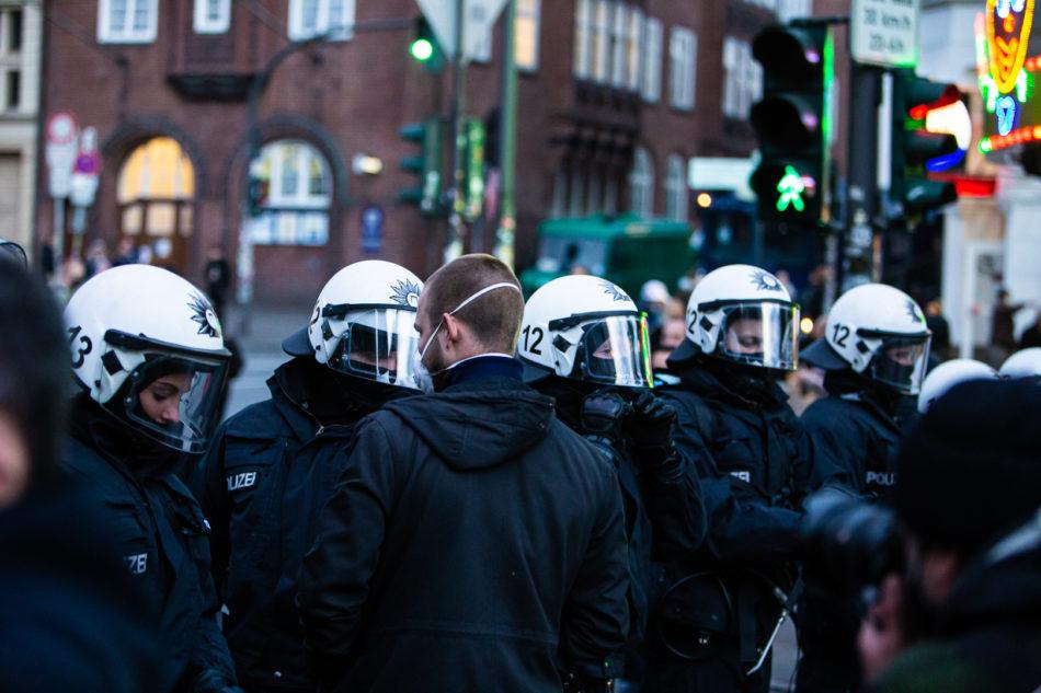 Polizeisperren auf der Reeberbahn
