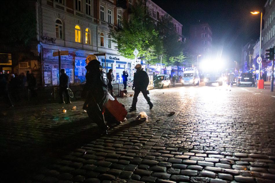 Die übliche Tradition am 1. Mai in Hamburg