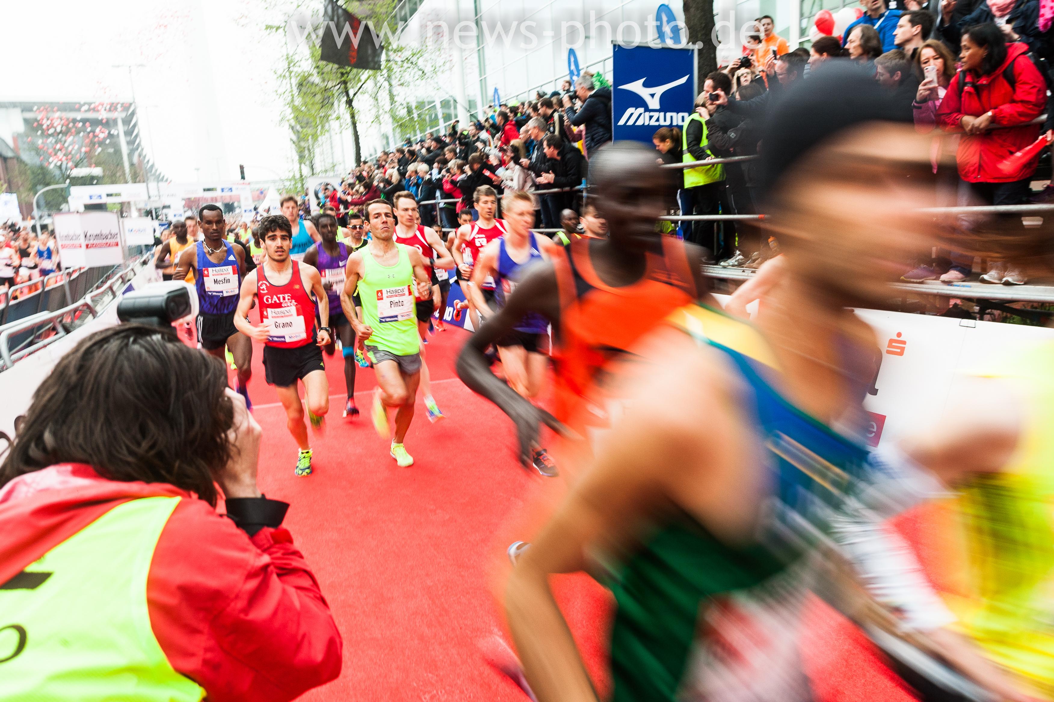 Der Start des Haspa Marathon 2015