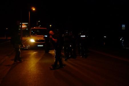 Die Polizei setze Pfeffer-spray ein.