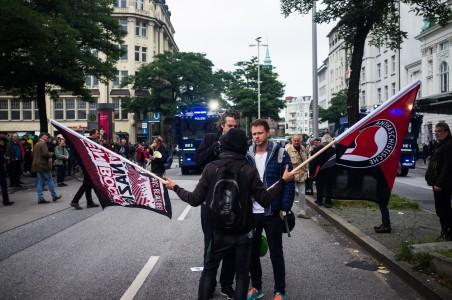Am Hauptbahnhof wurde noch eine spontane Kundgebung abgehalten