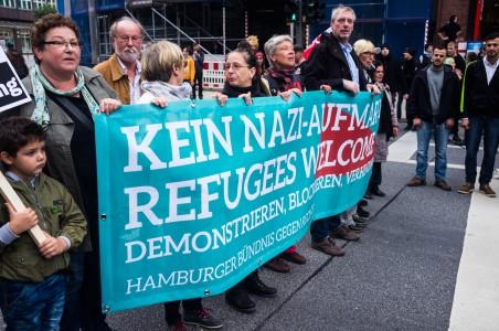 Friedlicher Gegenprotest in Hamburg