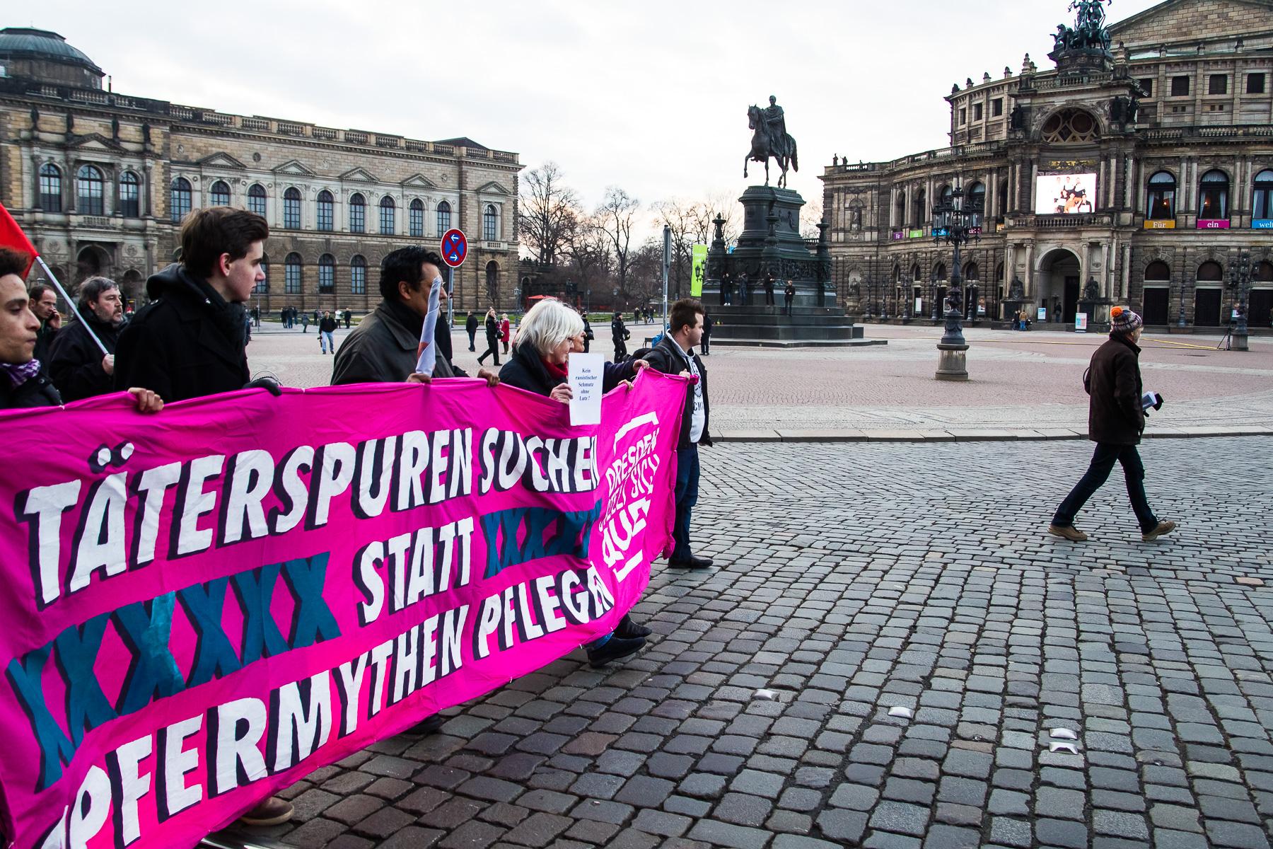 Der Mahngang Täterspuren vom letzten Jahr als Kontrastprogramm zur Neonazi Demo