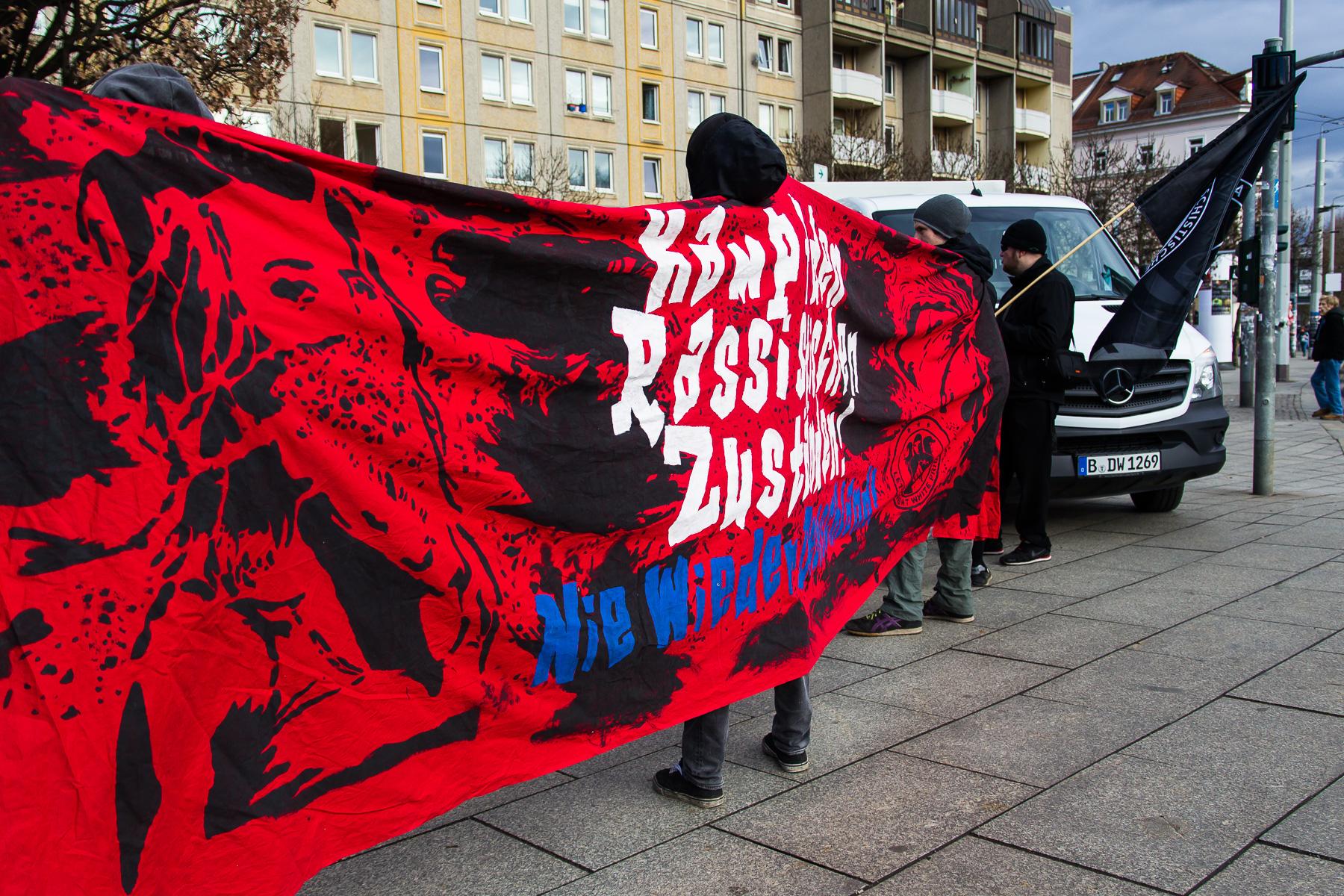 Stadtteilspaziergang gegen rechte Angriffe und Rassismus