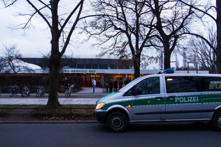 Demonstration vor dem Arnhold-Bad in Dresden
