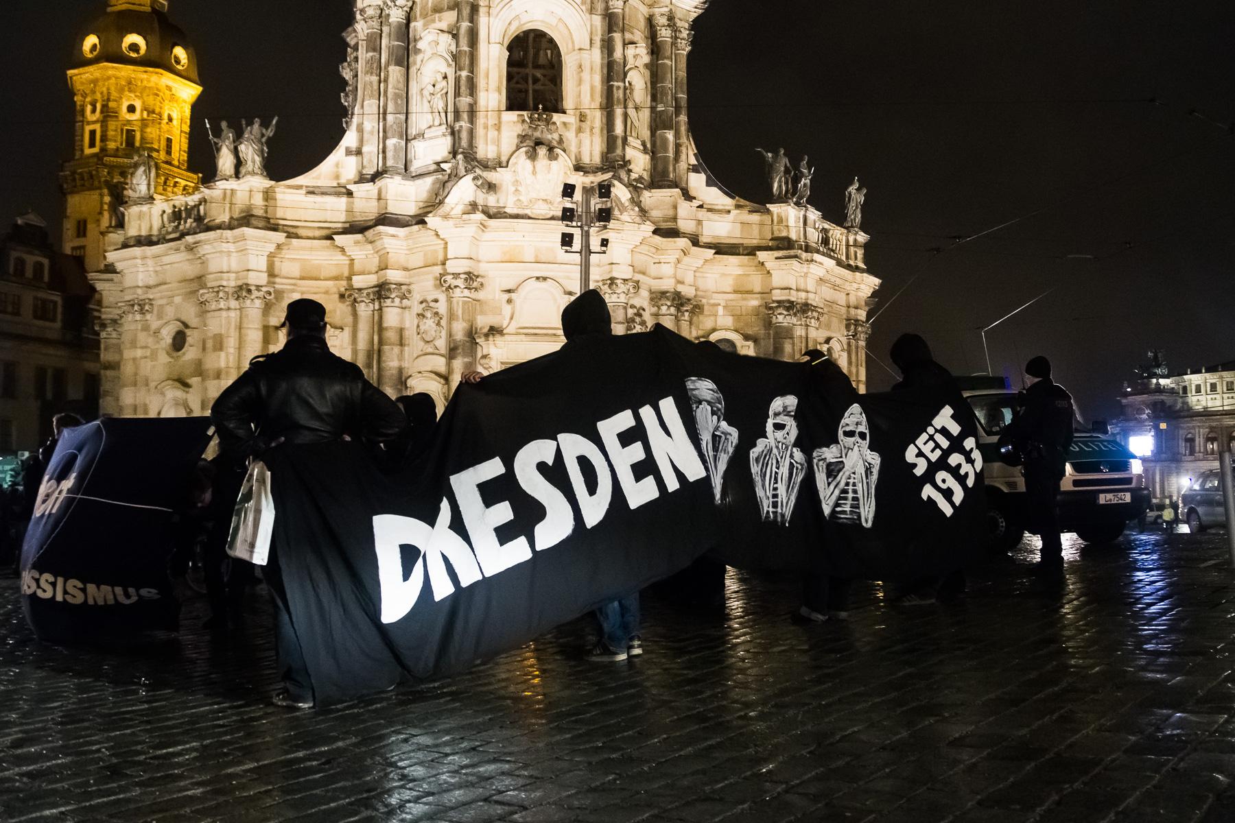 Gepida Demo vor der Hofkirche in Dresden