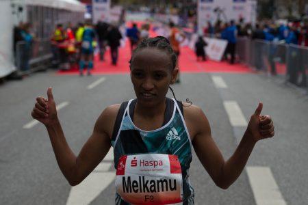 Meselech Melkamu die Siegerin des 31. Haspa Marathon