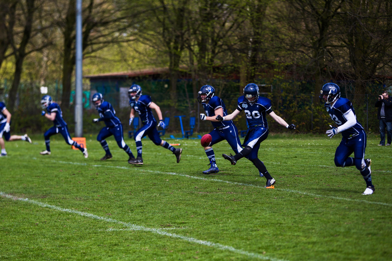 Kickoff des Freundschaftsspiels der Hamburg Blue Devils