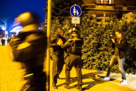 Bei der Abreise der Asylfeindlichen Demonstration versuchten einige Ihrer Teilnehmer die Gepida Demo zu stören