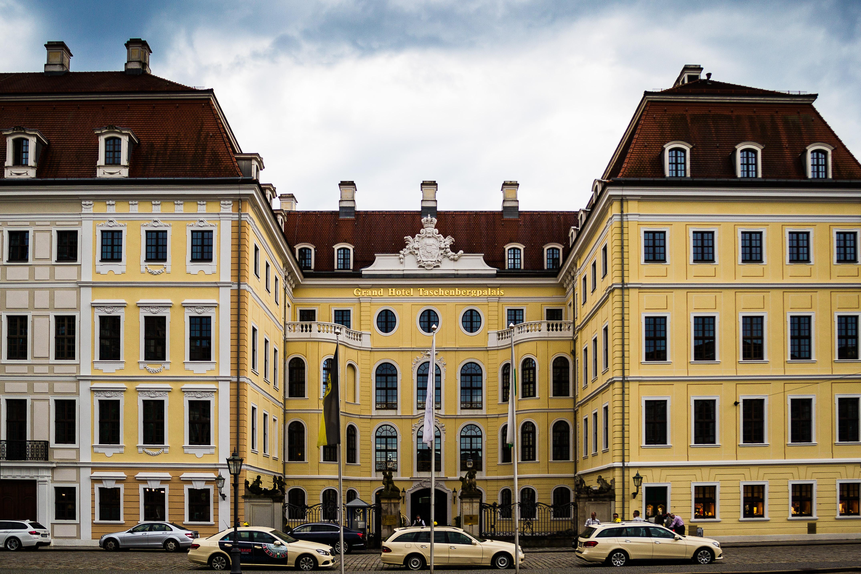 Hotel der Bilderberg Konferenz in Dresden