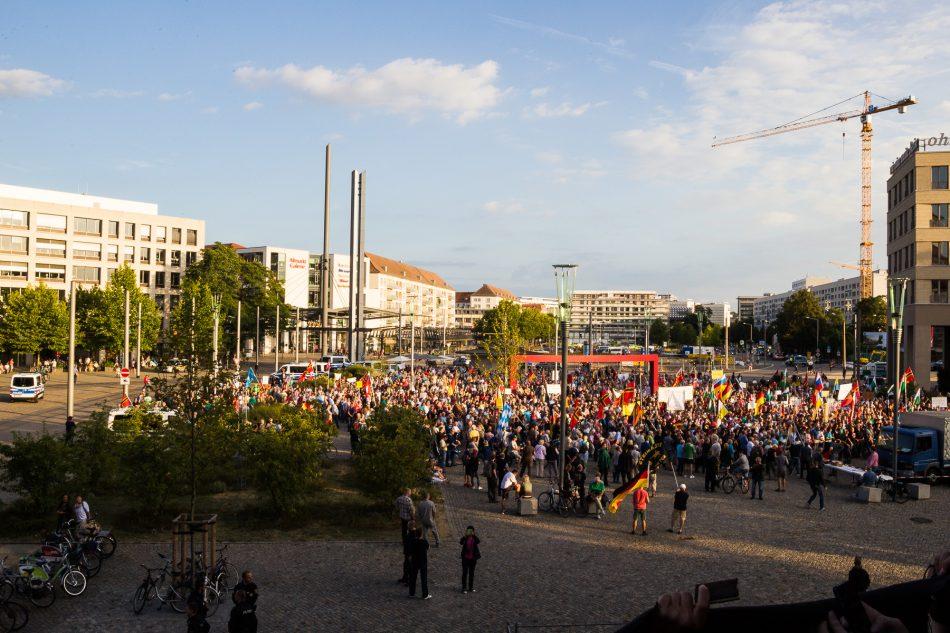 Übersicht der Pegida Demonstration in Dresden am 22.08.2016