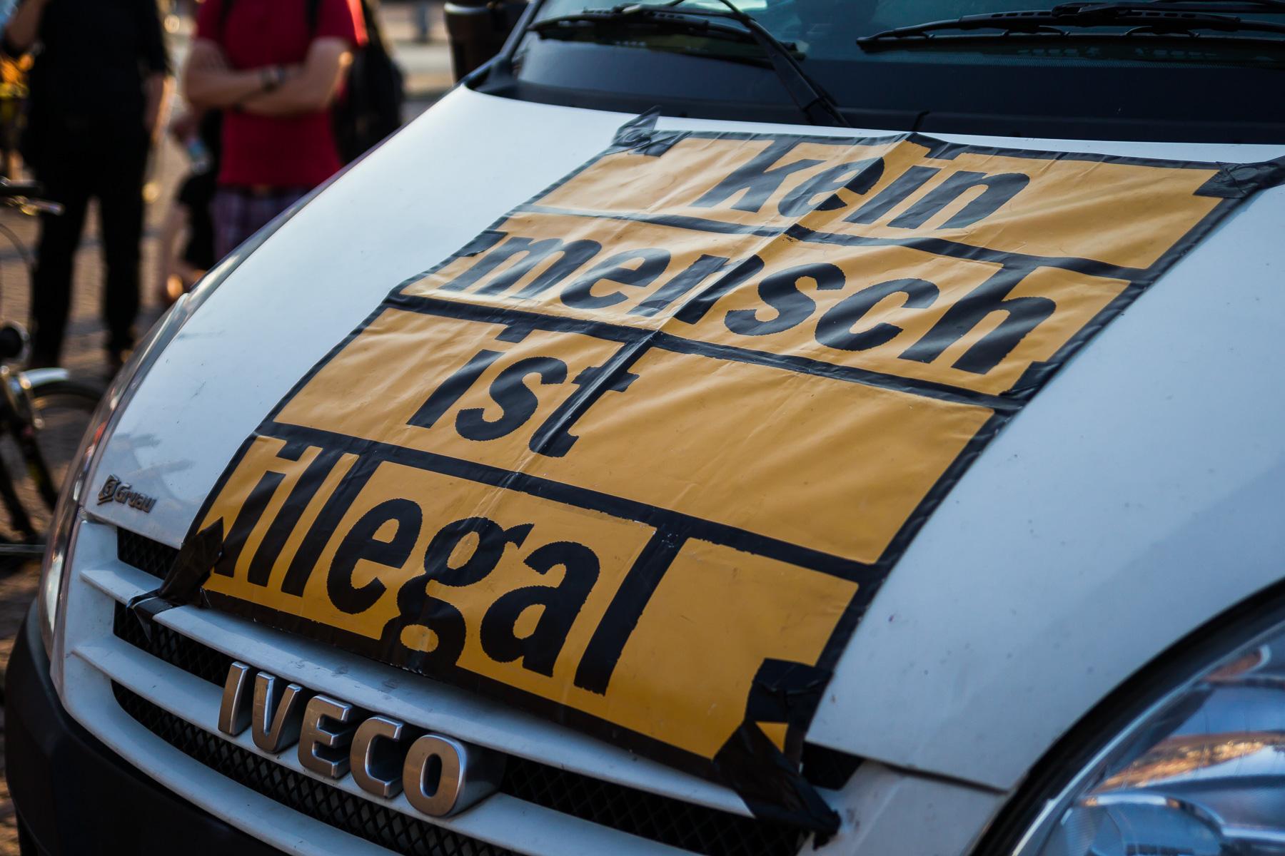"""Nope DemonstratiErstaufnahmeeinrichtung """"Schnackenburgallee"""" geschlossen Symbolbildon am Montag den 12.09.2016"""