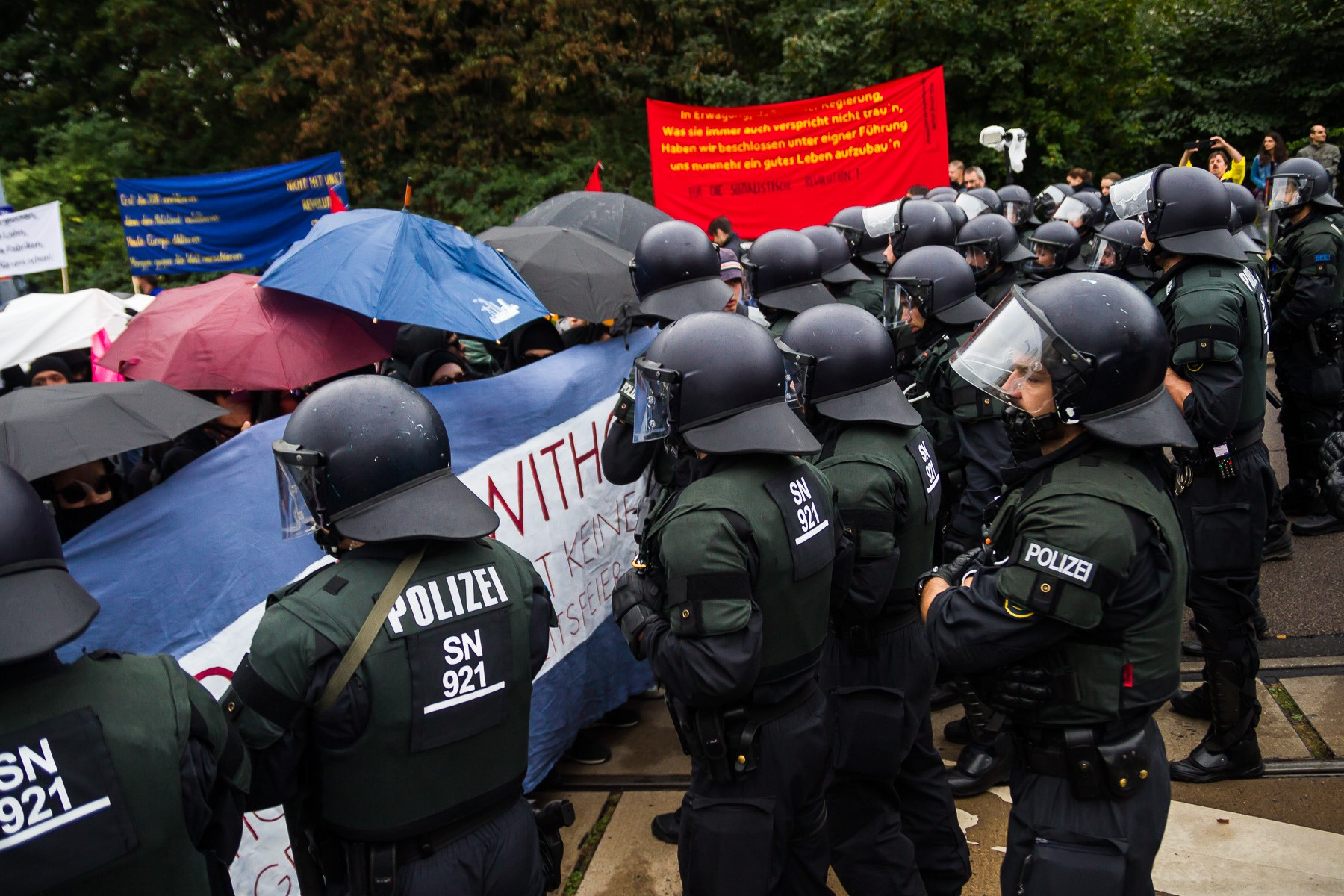 Die Solidarity without limits Demo gegen die Einheitsfeier