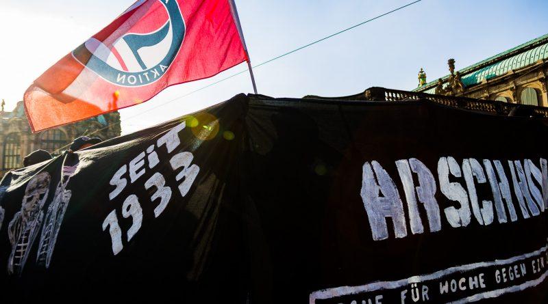 Gegenprotest am zweiten Pegida Geburtstag