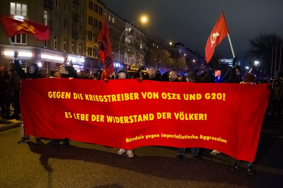 Die Linke Demonstration startete an der U-Bahn Haltestelle Feldstraße