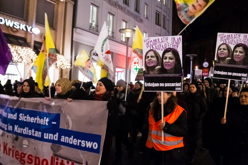 Es wurde unter anderem gegen die Türkei Politik des OSZE Demonstriert