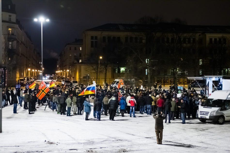 Ca. 150 Teilnehmer bei Legida am 09. Januar 2017