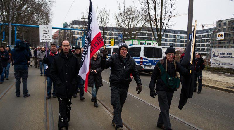 Der Holocaust-Leugner Gerhard Ittner führte seine Demonstration an