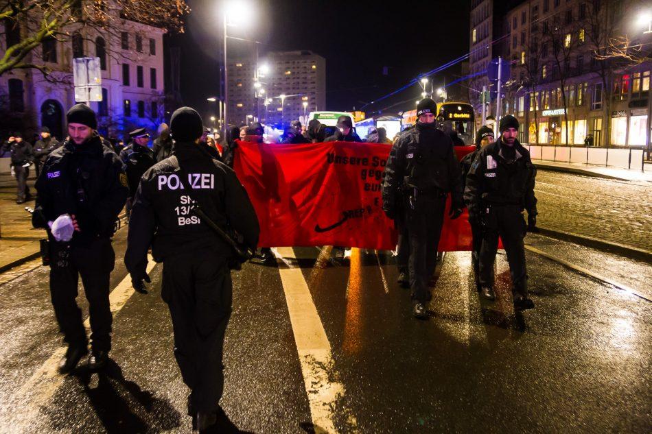Die Beamten blockierten das Front-transparent der Nope Demo fast die gesamte zeit