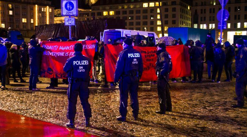 Die Nope Demo auf dem Alltmarkt in Dresden