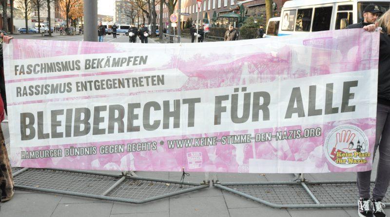 Demonstration gegen die Eröffnung des Thor Steinar Ladens in Hamburg Barmbek