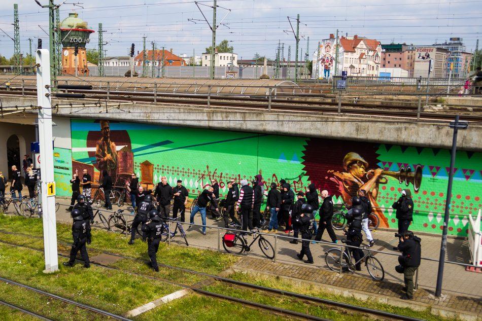 Nach dem Ende der Neonazi Demo ist es zu Auseinandersetzungen zwischen den Neonazis, Linken und der Polizei gekommen