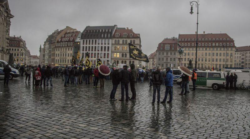 Pegida und AFD in Dresden zusammen