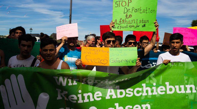 Perspektiven statt DesIntegrationspolitik/ Demo in Dresden