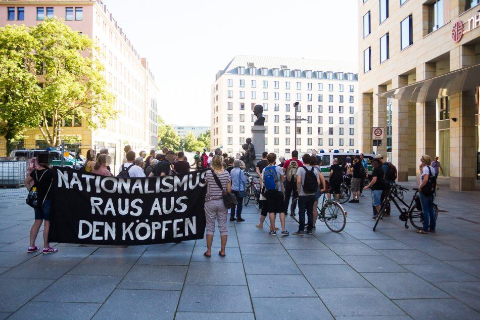 Nationalismus raus aus den Köpfen startete heute an der Kreuzkirche in Dresden