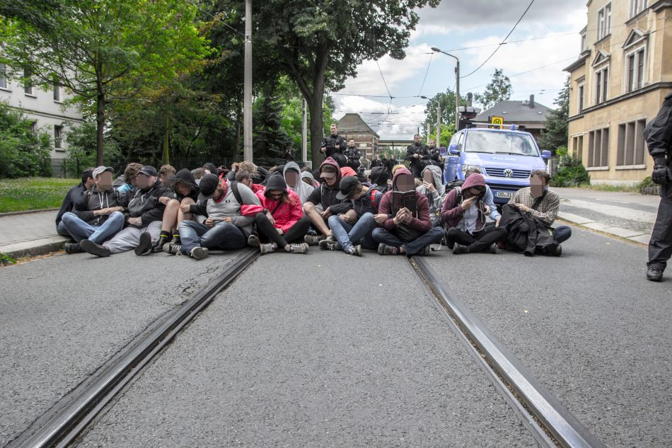 Die Gegendemonstration konnte einen Teil der Route blockieren
