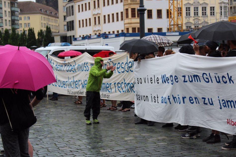Nationalismus raus aus den Köpfen demonstrierte auch diesen Montag gegen Pegida