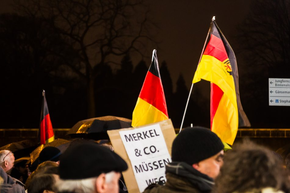 Die Merkel muss Weg Demonstration in Hamburg