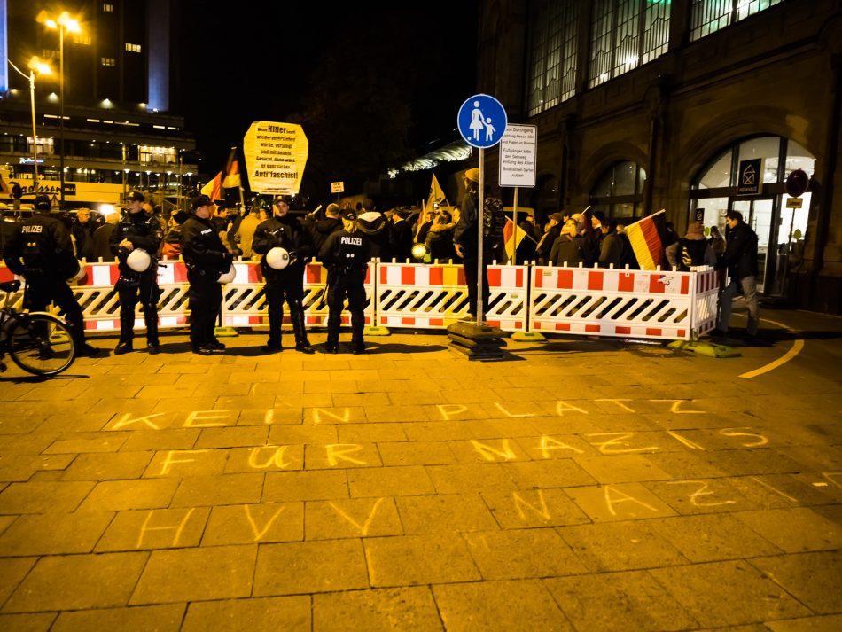 Merkel muss weg Kundgebung in Hamburg