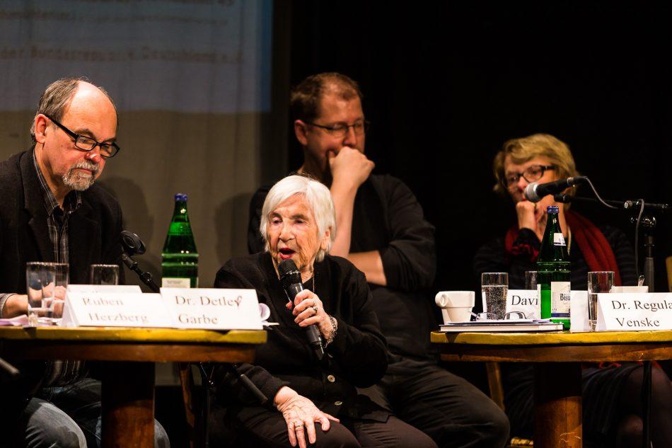 Esther Bejarano über die Absage der Hamburger Hochbahn die Veranstaltung zu bewerben