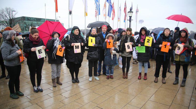 Auch in Hamburg gab es eine Kundgebung zu #wegmit219a