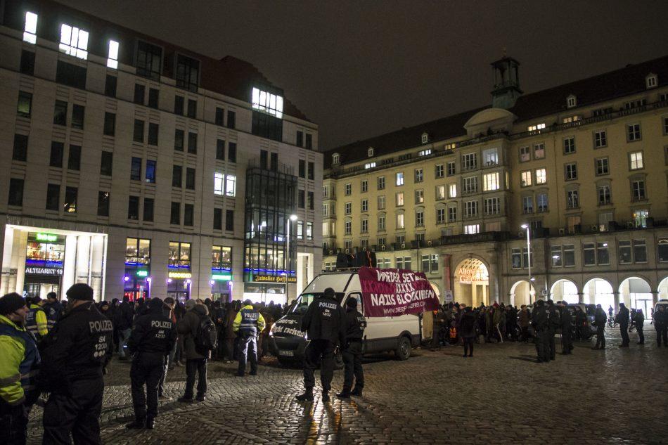 """Dresden Nazifrei"""" und """"Hope - Fight racism auf dem Altmarkt in Dresden"""