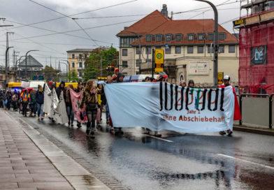 Demonstration gegen 100 Jahre Abschiebehaft in Dresden