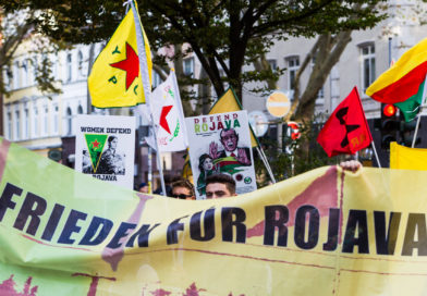 Frieden für Rojava Demo in Hamburg