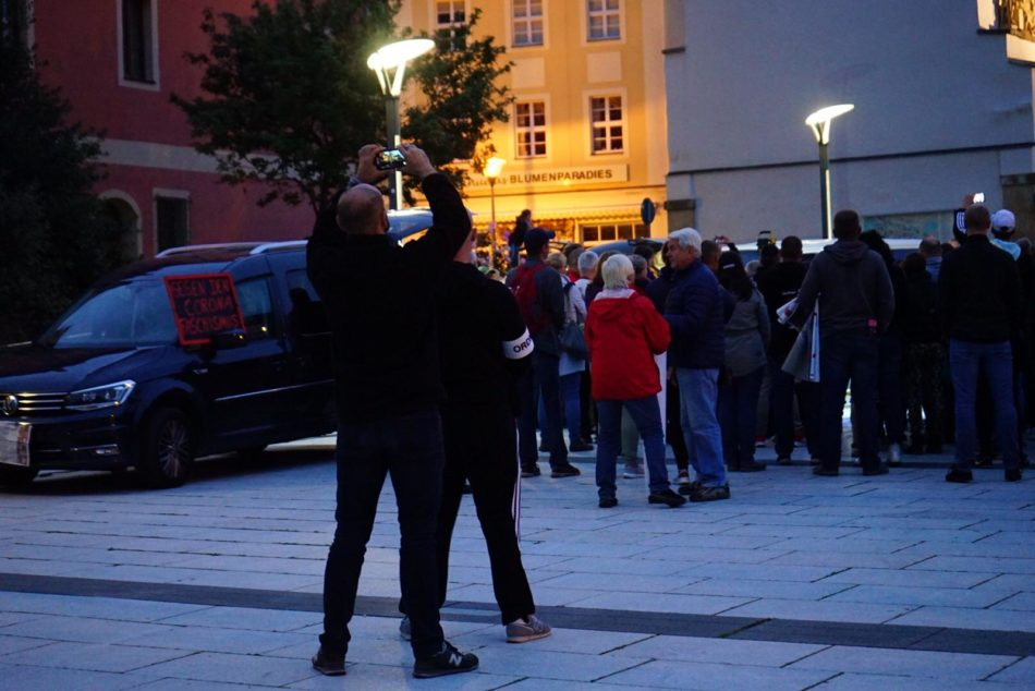 Journalisten wurden immer wieder an ihrer Arbeit von Querdenker Ordnern und Teilnehmern behindert
