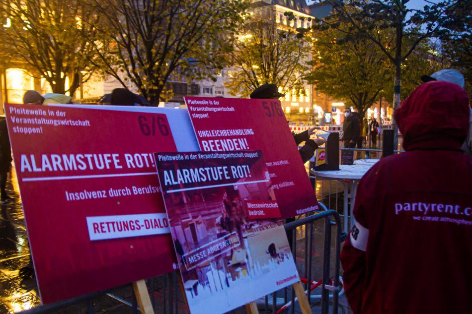 Die #Alarmstuferot Demonstration in Hamburg hatte ein gutes Hygienekonzept, das auch durchgesetzt wurde