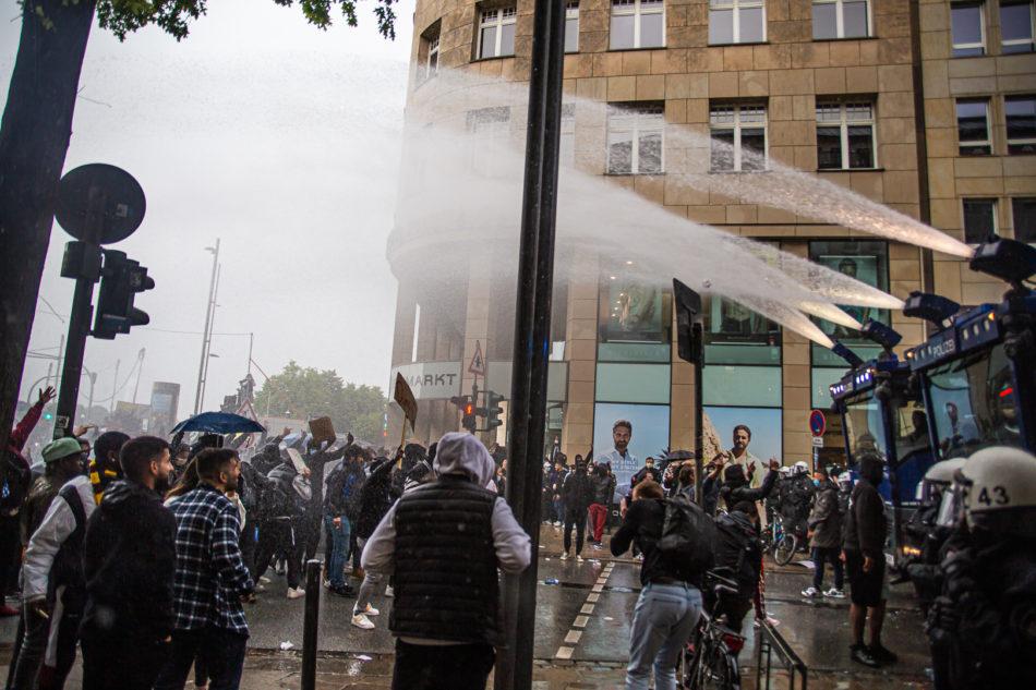 Die Polizei setzte unter anderem Wasserwerfer ein