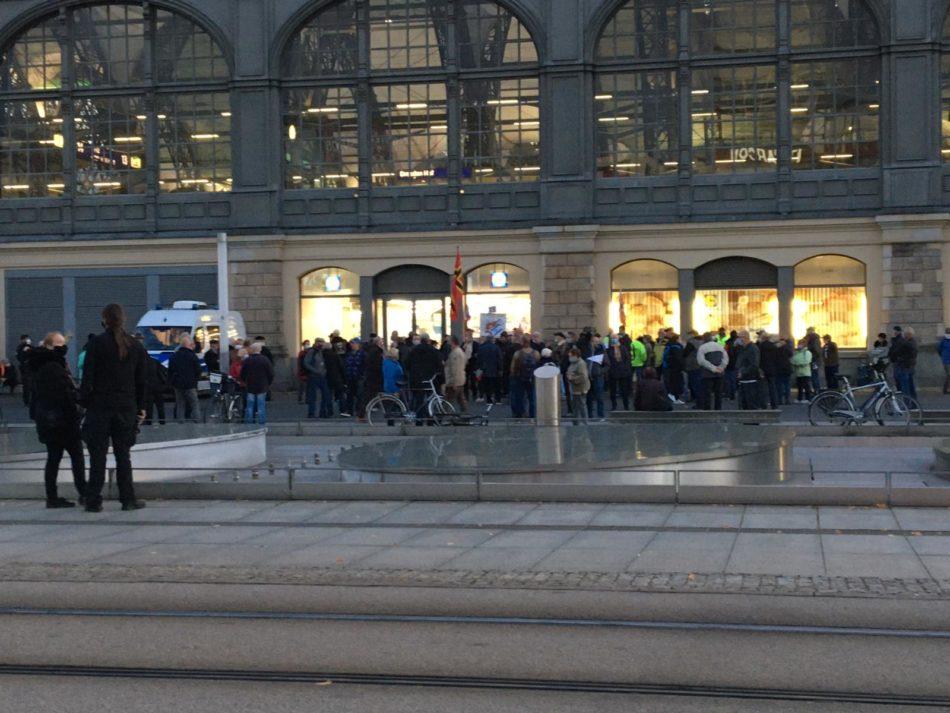 Bei Pegida  in Dresden standen die Teilnehmer dicht an dicht.