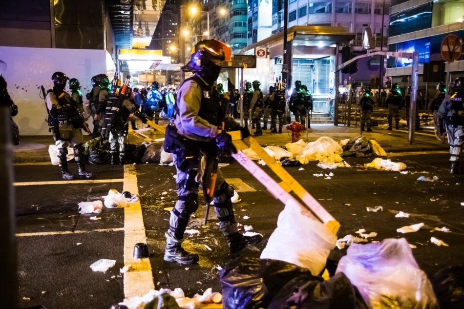 Die Polizei räumte immer wieder die Straße