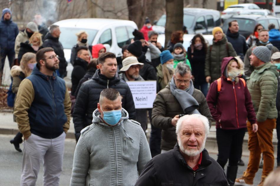 Wie immer tragen die wenigsten Corona Demonstranten keine Maske