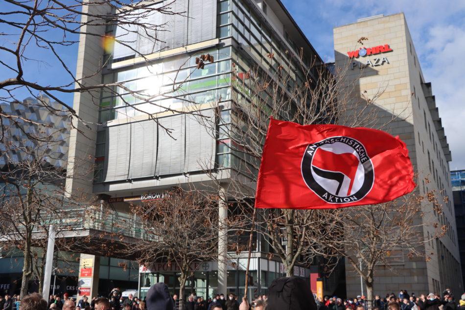 Protest gegen Corona Demo in Dresden