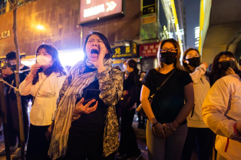 Grade die Gewalt der Polizei gegen die Jugend bringt auch ältere Generationen auf die Straße