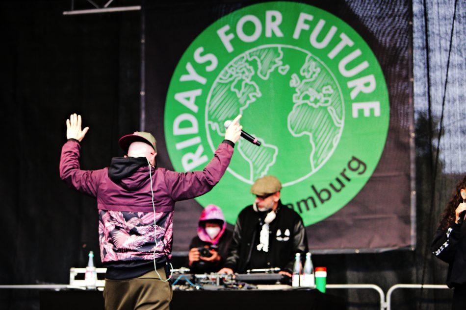 Jan Delay auf der Bühne von Fridays for Future Hamburg