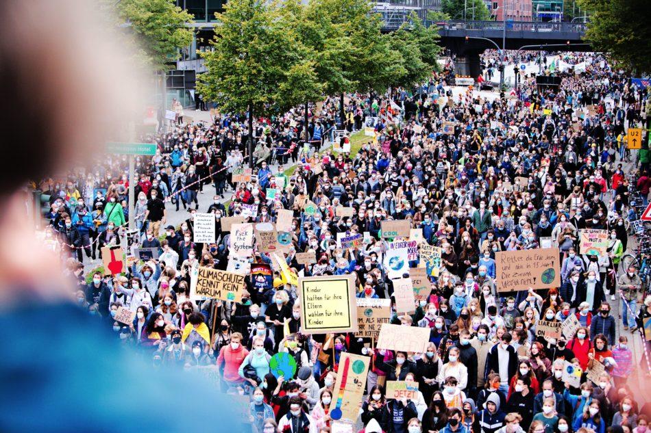Teilnehmer der Firdays for Future Demonstration in Hamburg