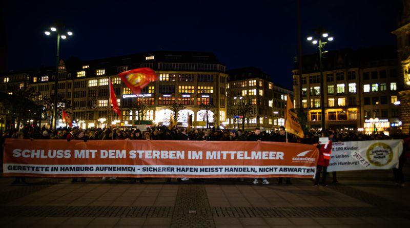 Seebrücke Demonstration in Hamburg